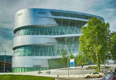 В света на автомобилите с Дари Травел! 3 нощувки и закуски в хотели 2/3* в Германия и Италия, транспорт и посещение на музеите на BMW, Mercedes, Porsche - Снимка