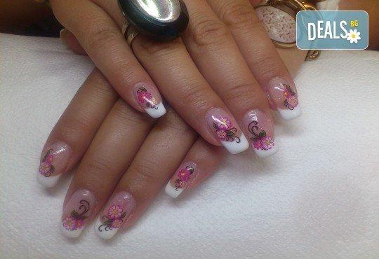Облечете ноктите си в цвят с новите свежи пролетни цветове гел лак BLUESKY, SNB, Jessica, Pro Gel и бонуси в студио MNJ - Снимка 5
