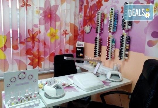 Облечете ноктите си в цвят с новите свежи пролетни цветове гел лак BLUESKY, SNB, Jessica, Pro Gel и бонуси в студио MNJ - Снимка 10