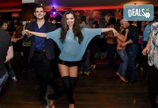 Основен курс по най-автентичния и нашумял стил салса (New York) – 8 тренировки за начинаещи от Brand Dance Varna - Снимка 2