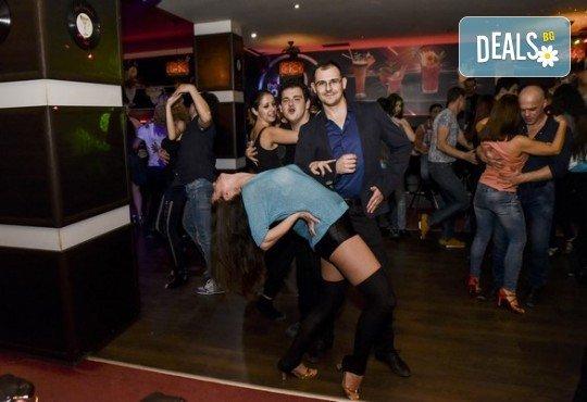 Основен курс по най-автентичния и нашумял стил салса (New York) – 8 тренировки за начинаещи от Brand Dance Varna - Снимка 4
