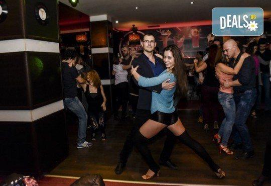 Основен курс по най-автентичния и нашумял стил салса (New York) – 8 тренировки за начинаещи от Brand Dance Varna - Снимка 5