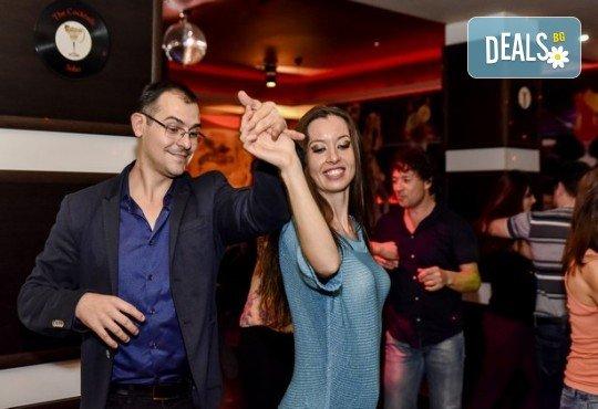 Основен курс по най-автентичния и нашумял стил салса (New York) – 8 тренировки за начинаещи от Brand Dance Varna - Снимка 6
