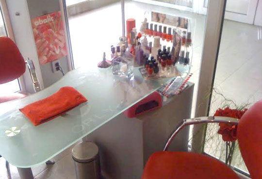 Маникюр с гел лак Bluеsky, SNB, Gelish, 2 декорации и масаж на ръцете в салон Sassy! - Снимка 6