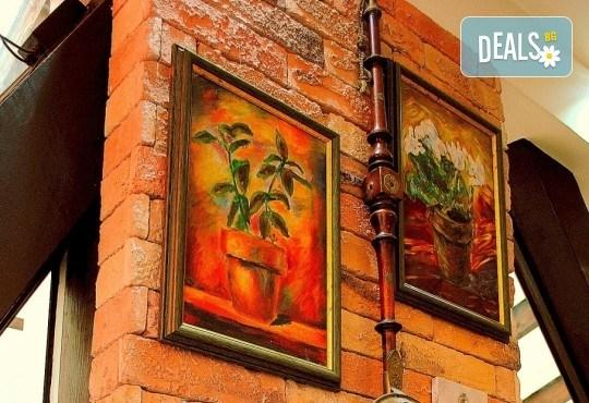 Агнешко печено със свежа салата, печени картофки и бутилка вино по избор от ресторанта в BG Wine Bar - Снимка 11