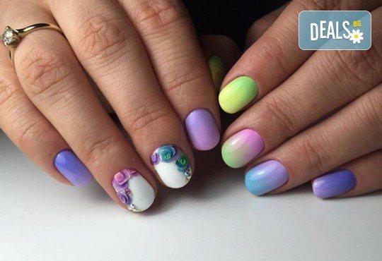 Бъдете изящни и красиви с маникюр с гел лак, 4 декорации и иновативна терапия за нокти по избор в салон Емоция! - Снимка 6