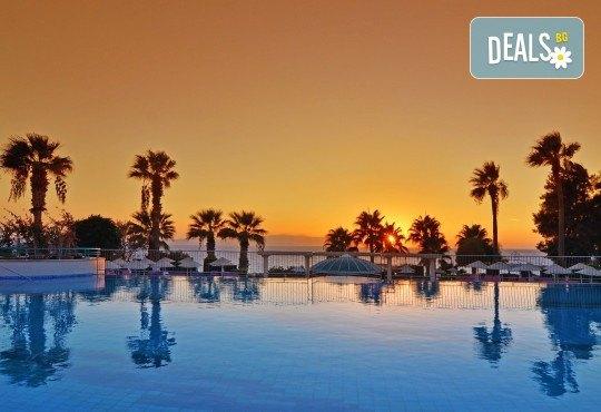 Почивка от април до юни в The Grand Blue Sky 4+*, Кушадасъ, Турция! 7 нощувки на база All Inclusive и възможност за транспорт от Ориент 99! Дете до 12 години безплатно! - Снимка 1