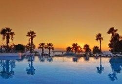 Почивка от април до юни в The Grand Blue Sky 4+*, Кушадасъ, Турция! 7 нощувки на база All Inclusive и възможност за транспорт от Ориент 99! Дете до 12 години безплатно! - Снимка
