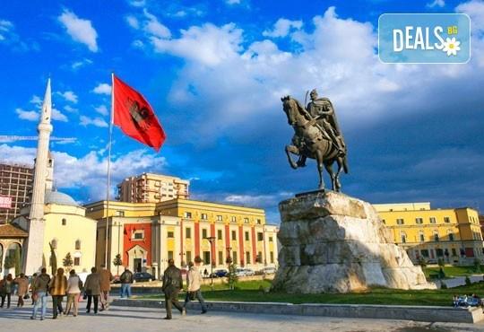 Екскурзия с нощен преход до Дуръс, Албания! 3 нощувки със закуски и вечери, транспорт и пешеходен тур на Скопие! - Снимка 1