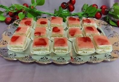Вкусни моменти за вашето парти с 45 броя сладки петифури - малки тортички от сладкарница Черешка - Снимка