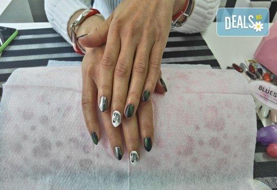 Класически или френски маникюр с гел лак Bluesky, 2 декорации с печати по избор и камъни с елементи на Swarovski, финален масаж на ръце от Dils Studio - Снимка 5
