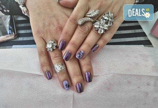 Класически или френски маникюр с гел лак Bluesky, 2 декорации с печати по избор и камъни с елементи на Swarovski, финален масаж на ръце от Dils Studio - Снимка 7