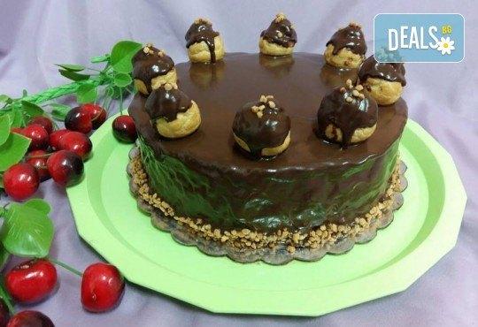Еклерова торта за вашия празник - изкушаващо вкусно предложение от сладкарница Черешка - Снимка 1