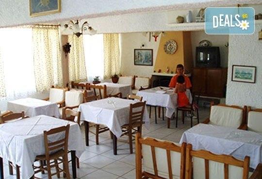 От юни до септември на почивка на остров Тасос! 7 нощувки със закуски в хотел Лена 2*, вечери по избор и възможност за транспорт! - Снимка 5