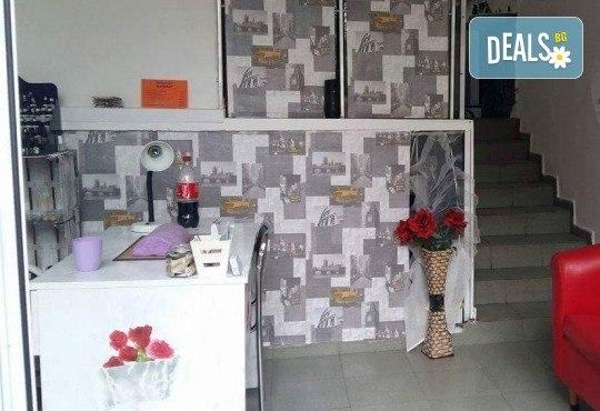 Маникюр с гел лак плюс сваляне на гел лак и 2 декорации по избор от салон Надилена - Снимка 4