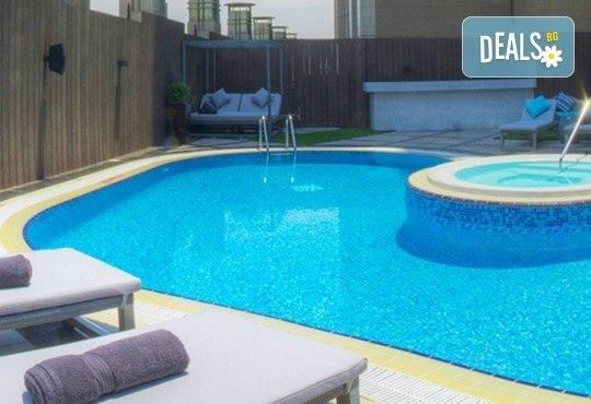 Специална оферта за Майски празници в Дубай! 4 нощувки със закуски в Somewhere Hotel Tecom 4*, самолетен билет, чекиран багаж и трансфери, от Крис Еър! - Снимка 12