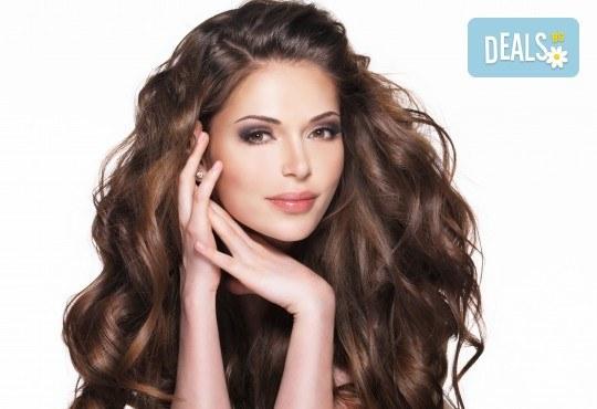 Кератинова терапия и ламиниране на коса с JOIKO и оформяне в прическа - изправяне или букли в салон Bellisima - Снимка 1