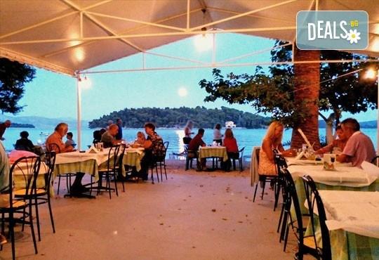 Last Minute! Великден на о. Лефкада - изумрудения остров на Гърция! 3 нощувки със закуски в Авра Бийч 3*, Нидри, транспорт и екскурзовод от Дрийм Тур! - Снимка 9