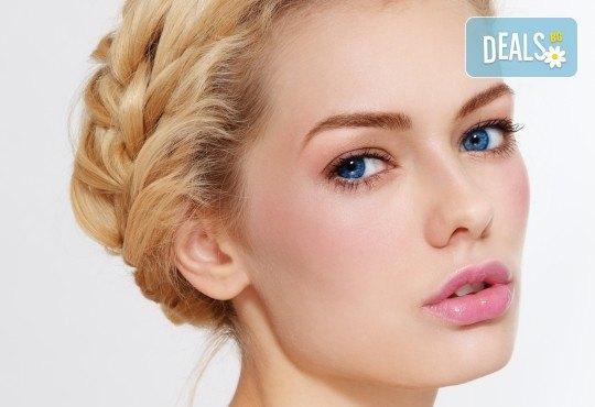 Пробна прическа за абитуриентски бал - букли, кок или актуална плитка в MAKRATI Hair and Beauty - Снимка 3