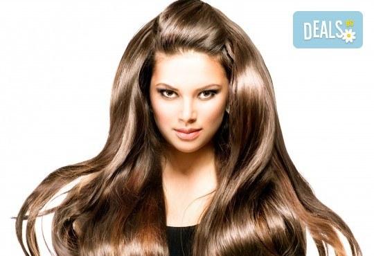 Подхранваща терапия за коса, масажно измиване и оформяне на прическа във фризьорско студио Анатоли Вълев - Снимка 1