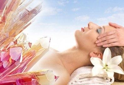 Зодиакално-енергиен чакра масаж на цяло тяло, кристалотерапия, масаж на лице с кристали, зонотерапия и арома масла в Спа център Senses Massage&Recreation! - Снимка