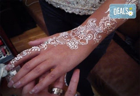 Покажете своята индивидуалност! Вземете ваучер за временна татуировка с индийска къна от Студио МатуреАрт - Снимка 2