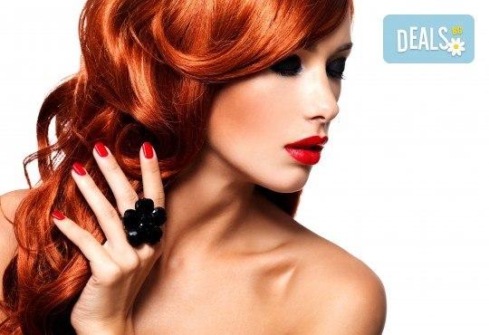 Комбинирана процедура за красиви ръце и коса! Маникюр с гел лак SNB или лакове OPI, 2 декорации и премахване на цъфтежите с полировчик от Ивелина студио! - Снимка 2