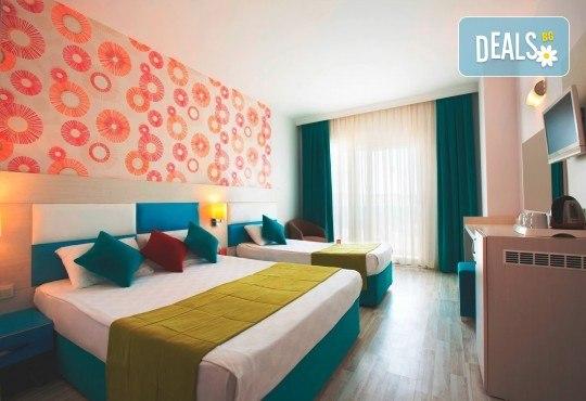 Last minute почивка в Анталия: 7 нощувки, All Inclusive в Ramada Resort Side 5*, двупосочен билет, директен полет, летищни такси и трансфери - Снимка 4