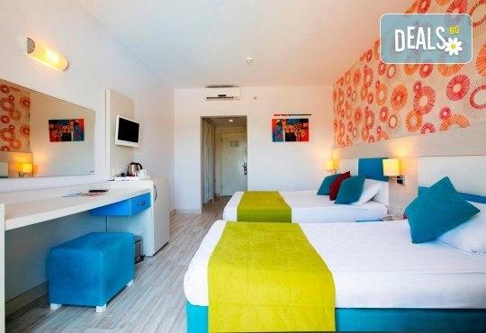 Last minute почивка в Анталия: 7 нощувки, All Inclusive в Ramada Resort Side 5*, двупосочен билет, директен полет, летищни такси и трансфери - Снимка 7