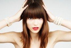 Красиви коси! Боядисване на корени с италианска боя, измиване, прическа със сешоар и бонус: подстригване на връхчета в салон BLUSH BEAUTY! - Снимка