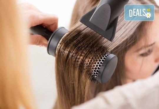 За красива визия! Кератинова или арганова терапия за коса и оформяне с прав сешоар в студио за красота Ma Belle! - Снимка 2