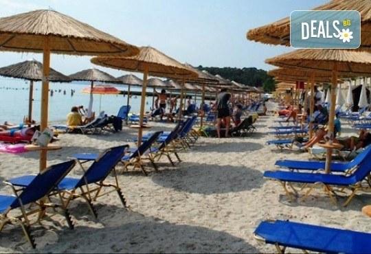 Last minute! Майски празници на Халкидики, Гърция! 2 нощувки със закуски и вечери в Ammon Zeus 4*, транспорт и програма - Снимка 4