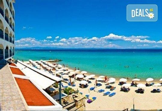 Last minute! Майски празници на Халкидики, Гърция! 2 нощувки със закуски и вечери в Ammon Zeus 4*, транспорт и програма - Снимка 2