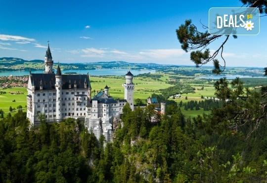 На екскурзия до Баварските замъци през май: 6 дни, 4 нощувки със закуски, транспорт и водач от Имтур! Екскурзионна програма в Залцбург и Мюнхен. Нощен преход на отиване! - Снимка 1