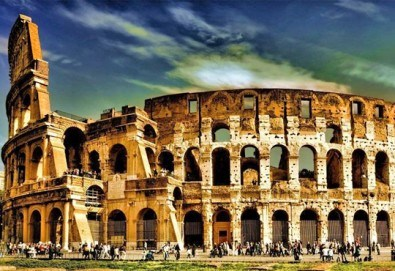 Потвърдена самолетна екскурзия до Рим - сърцето на Италия! 3 нощувки със закуски в хотел 3*, самолетен билет, трансфери и панорамна обиколка! - Снимка