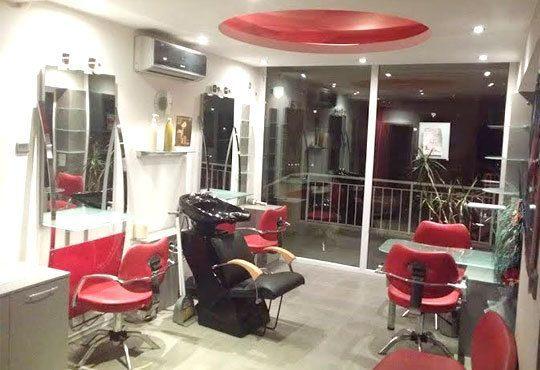 Кератинова терапия, кератинова преса, подстригване, масажно измиване и оформяне на прическа със сешоар в салон за красота Sassy! - Снимка 7