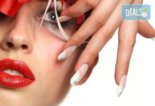 Ноктопластика чрез изгаждане с акрил, лакиране и 4 рисувани арт декорации по избор с продукти на SNB и Bluesky от салон Superlativ Beauty House - Снимка 1