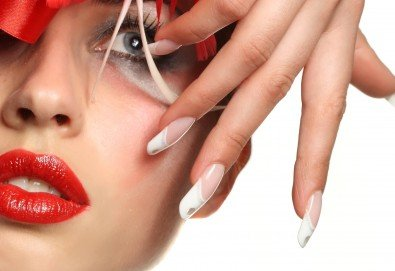 Ноктопластика чрез изгаждане с акрил, лакиране и 4 рисувани арт декорации по избор с продукти на SNB и Bluesky от салон Superlativ Beauty House - Снимка