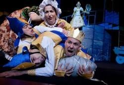 На театър с децата! Спящата красавица в Младежки театър на 13.05. от 11 ч, 1 билет - Снимка