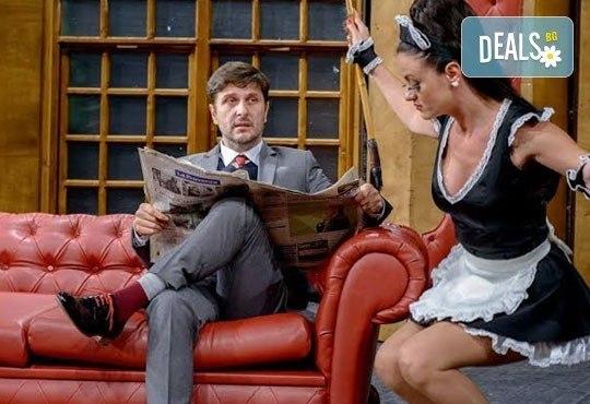Гледайте Асен Блатечки в спектакъла на Театрална къща Viva Arte - Опасно за живота, на 19.05. от 19ч, Театър Сълза и Смях - Снимка 3