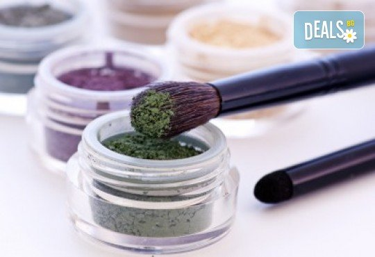 Разберете новите тенденции в гримирането с 2-дневен интензивен курс по професионален грим в NSB Beauty Center! - Снимка 2