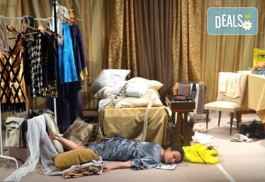 Неотразимата Яна Маринова на 4-ти май (четвъртък) в моноспектакъла ГЛАС - следпремиера на сцената на НОВ театър НДК! - Снимка 8