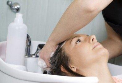Ботокс терапия за тънка и изтощена коса във фризьоро-козметичен салон Вили в кв. Белите брези - Снимка