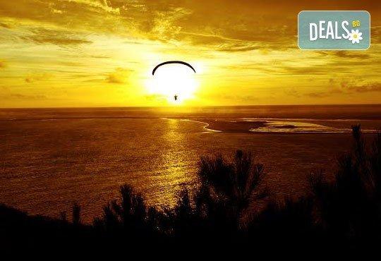 Тандемен полет с двуместен парапланер на 5 км от София + заснемане с HD GoPro action камера от Extreme sport! - Снимка 7