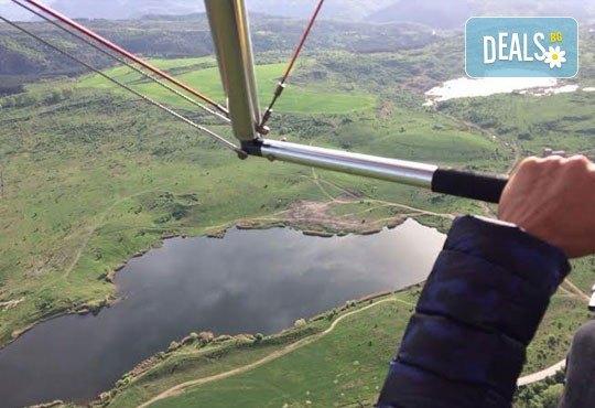 Тандемен полет с двуместен парапланер на 5 км от София + заснемане с HD GoPro action камера от Extreme sport! - Снимка 4