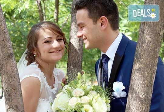 Само до края на май! Фото, видео заснемане на сватбено тържество, Go Pro камера, заснемане с дрон, дата по избор за 2017, от Townhall Productions! - Снимка 1