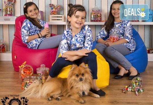 Забавление за цялото семейство, запечатано с много усмивки! Професионална фотосесия в бутиково студио Nicole Photography! - Снимка 11