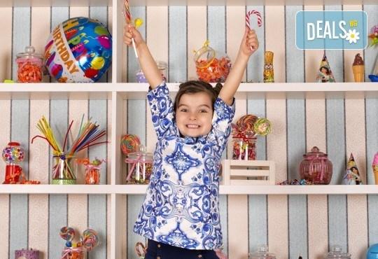 Забавление за цялото семейство, запечатано с много усмивки! Професионална фотосесия в бутиково студио Nicole Photography! - Снимка 9