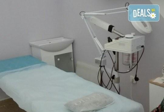 10 процедури антицелулитен масаж на бедра и ханш от Beauty Studio Platinum - Снимка 3
