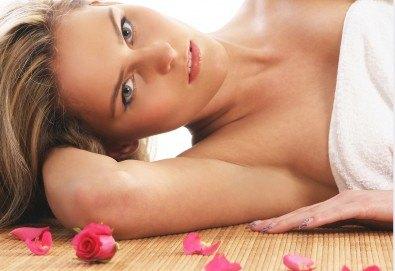 Релаксиращ масаж на цяло тяло с ароматна японска орхидея или масло от роза в Massage and therapy Freerun! - Снимка